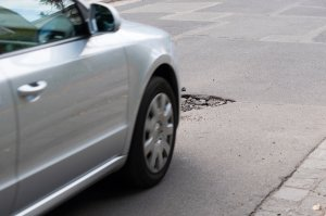 Preventing Pothole Damage | Rim Doctor
